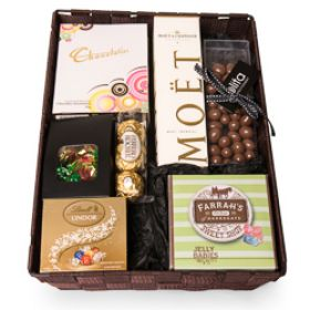 Moet and Chockies Gift Hamper